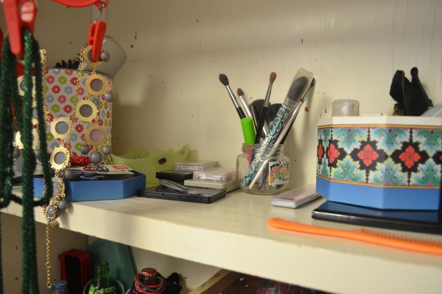 organize makeup for cheap