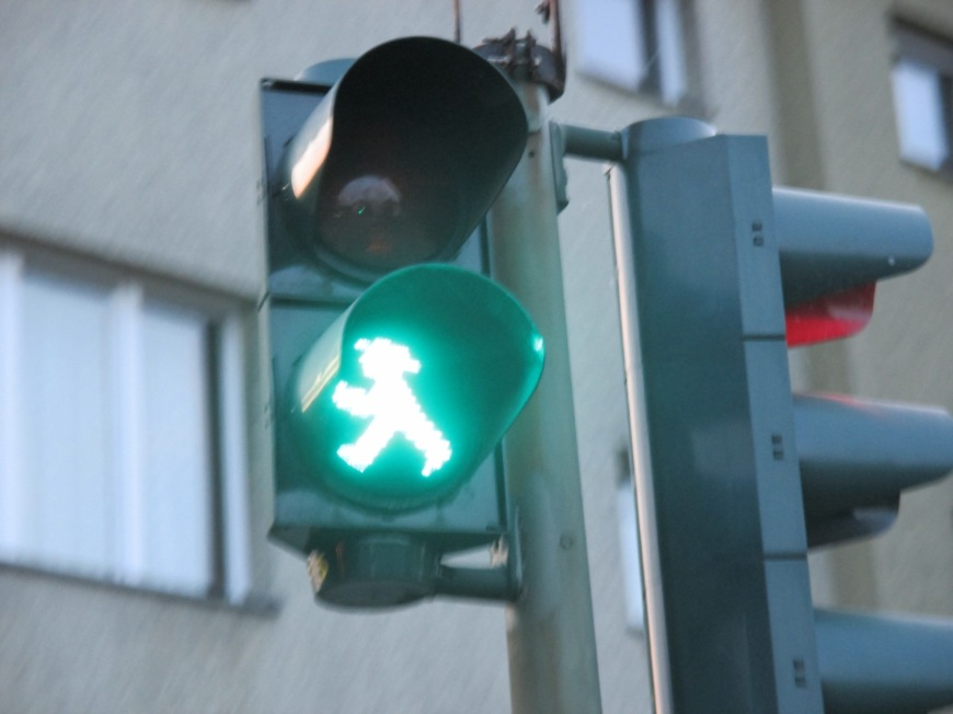 2. this the traffic light man!