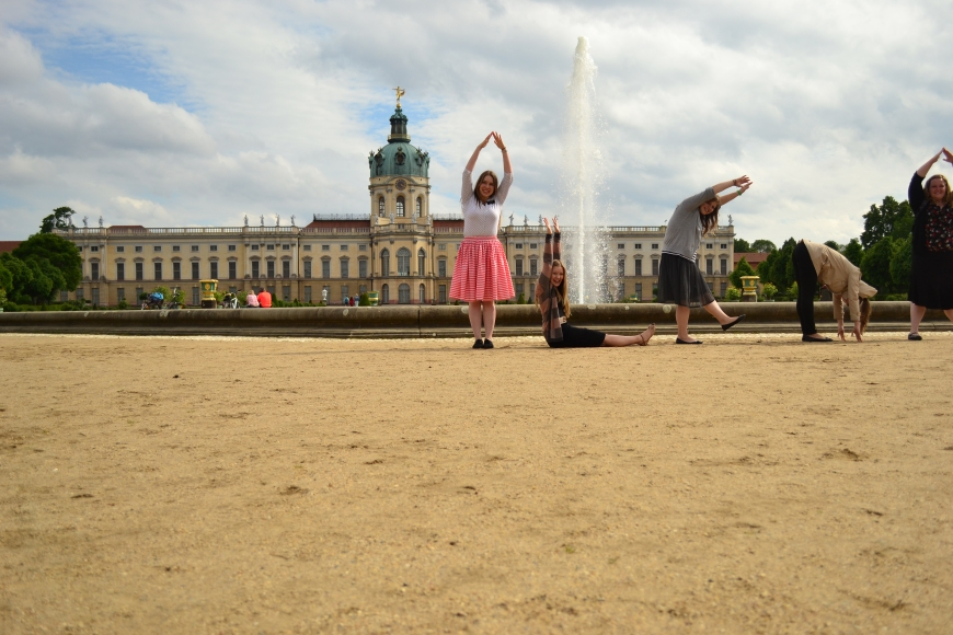 we tried spelling out all of our names infront of the Charlottenburg Castle. i mostly just ended up looking like a cupcake.