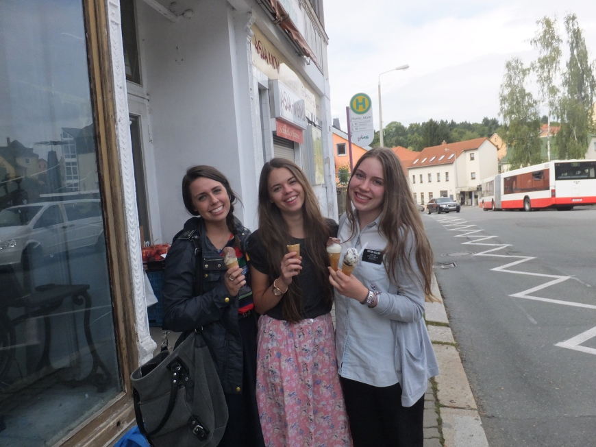 tausch treat in zwickau!!  p.s. the middle aged guy next to me at the internet store is skyping his family and making lots of loud foriegn baby noises. I am trying not to laugh, but seriously, it's a sight to see.